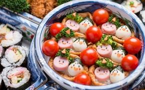 Обои помидоры, ассорти, сосиски, овощи, рожицы, яйца, роллы, брокколи, детское меню