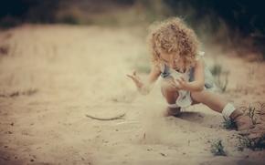 Обои девочка, игра, песок