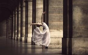 Обои грация, платье, Marine Fauvet, танец, город