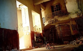 Обои свет, велосипед, мусор, лестница