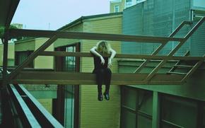 Картинка girl, melancholy, architecture, lazy, tired, urban scene