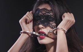 Картинка woman, makeup, metal handcuffs