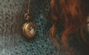 Картинка часы, кулон, свитер