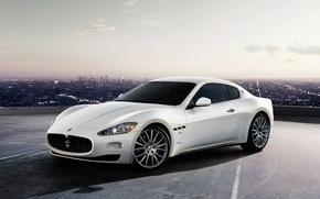 Обои белый, город, Maserati, GranTurismo-S