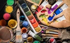 Картинка макро, краски, масло, размытость, акварель, художник, палитра, творчество, искусство, кисти, тюбики, рисование, кисточки, боке, мольберт, …