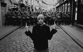 Картинка полиция, парень, жест, хулиган