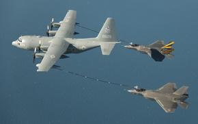 Картинка океан, истребители, пара, в воздухе, Lockheed, Hercules, F-35C, tanker, KC-130, двойная дозаправка