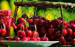 Картинка вишня, ягоды, тарелка, банка, корзинка, варенье