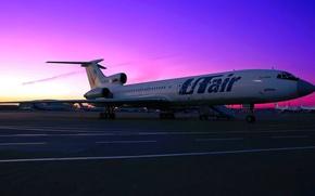 Обои небо, закат, двигатель, перрон, стоянка, аэропорт, самолёт, sky, aircraft, sunset, шасси, airport, parking, Ту-154, Tupolev, ...