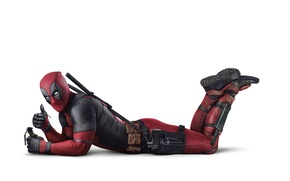 Картинка чека, на полу, комикс, супергерой, Deadpool, Дэдпул, пистолет, оружие, лежит, граната, Райан Рейнольдс, Ryan Reynolds, ...