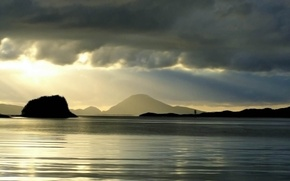Картинка небо, облака, пейзаж, горы, тучи, природа, река, вечер, горизонт