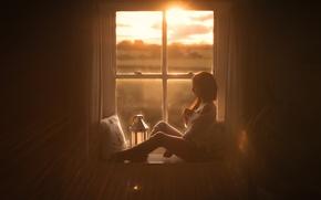 Картинка девушка, окно, ножки, гетры, солнечный свет, sun kissed