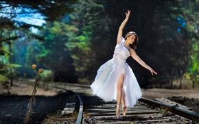 Обои девушка, танец, железная дорога, балерина