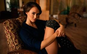 Картинка портрет, кресло, ножки, гольфы, Dominika