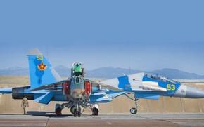 Картинка истребители, стоянка, аэродром, рулёжка, су-27уб, миг-27, ввс казахстана