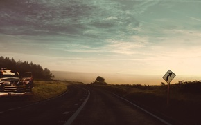 Обои ретро, хлам, винтаж, машина, дорога, небо, облака