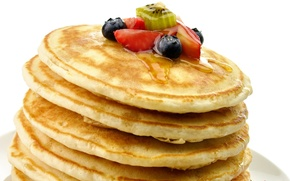 Обои strawberry, киви, food, десерт, dessert, сладкое, berries, ягоды, kiwi, клубника, блинчики, small pancakes, honey, fruits, ...