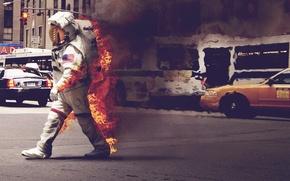 Картинка машины, город, огонь, улица, дым, скафандр, такси, астронавт