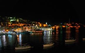 Обои Хорватия, остров, дома, побережье, огни, лодки, катера, море, island Hvar, ночь, причал