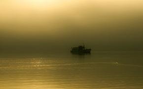Картинка туман, утро, озеро, катер