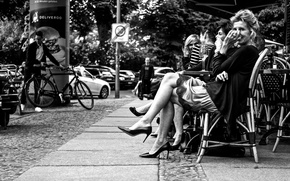 Картинка cityscape, enjoying, ladies, urban scene