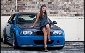 Картинка авто, взгляд, девушка, улыбка, Девушки, BMW