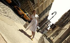 Обои улица, девушка, Romain Laurent, Нью Йорк, такси, платье, наклон