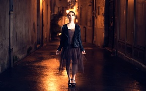 Картинка девушка, ночь, город, улица, Tiphaine