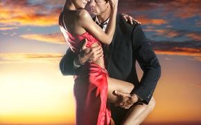 Картинка девушка, любовь, закат, красное, страсть, платье, объятия, парень, lovers, passion, embrace, feeling, red dress