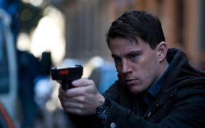 Картинка пистолет, нокаут, актер, мужчина, Channing Tatum, Ченнинг Татум