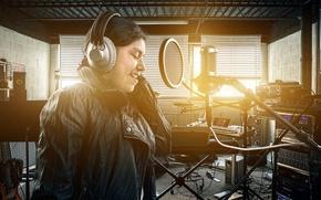 Картинка микрофон, наушники, певица, студия