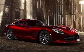 Картинка свет, красный, доски, Додж, Dodge, суперкар, амбар, диски, Viper, передок, GTS, Вайпер, SRT