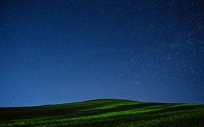 Картинка ночь, поле, холм, небо, трава, звезды