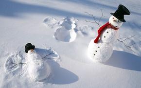 Картинка зима, снег, шарф, снеговики, шапки