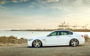 Картинка белый, бмв, BMW, white, wheels, side, F10, 550i, 5 серия