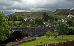 Картинка мост, город, фото, газон, забор, Шотландия, Poolewe