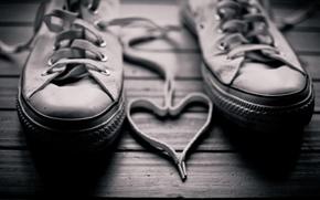 Картинка кеды, пол, фон, сердце, черное, белое, шнурки, фото, walls