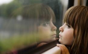 Обои красота, little, милые, ребенок, дети, детство, грусть, window, girl, окна, child, reflection, childhood, children, отражения, ...