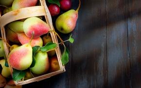 Обои стол, фрукты, груши, корзина, осень, капли, листья