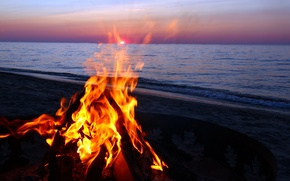 Картинка море, пляж, вечер, костер, fire on the beach