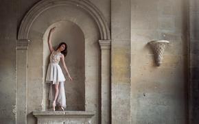 Картинка стена, статуя, балерина, пуанты, Marie-Lys Navarro