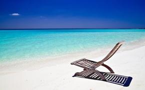 Обои лазурный берег, океан, шезлонг, небо, берег, пляж, песок