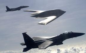 Картинка небо, полет, американцы, истребители, B-2, бомбардировщик, сопровождение, F-15E