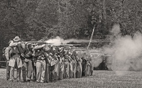 Картинка дым, солдаты, залп, строй