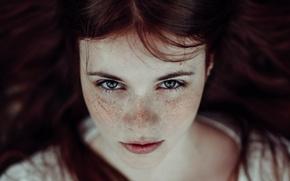 Картинка взгляд, девушка, веснушки, рыжая