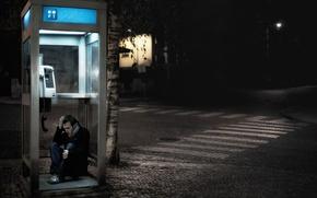 Картинка ночь, город, телефонная будка, беда