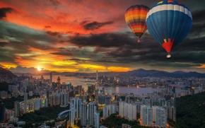 Обои закат, город, воздушные шары