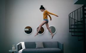 Картинка девушка, интерьер, бег, по воздуху