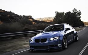 Картинка дорога, синий, bmw, бмв, road, blue, ангельские глазки, e92, angel eyes