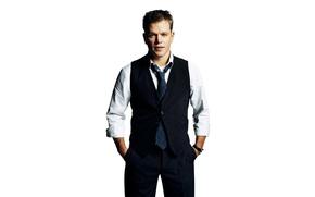 Обои костюм, галстук, актер, белый фон, рубашка, Мэтт Дэймон, фотосессия, брюки, жилетка, Matt Damon